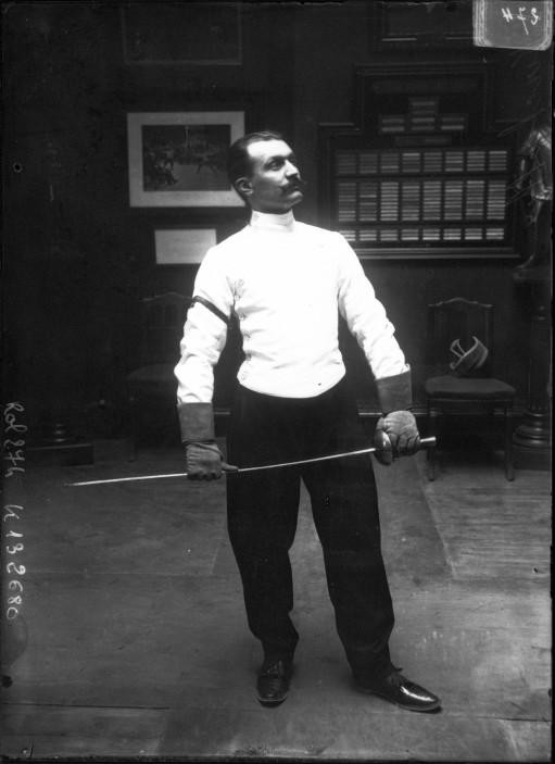 Portrait  - Photo - Fencer Escrimeur
