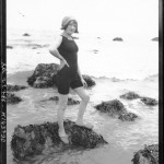 Portrait  - Photo - Girl on rocks by the beach - French photo